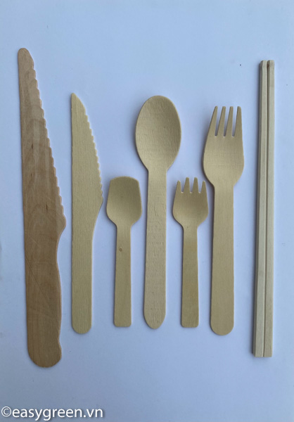 Wooden knives, spoons, spoons and forks
